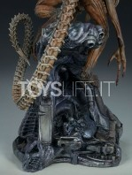 sideshow-mythos-alien-warrior-statue-toyslife-11