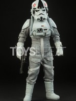 sideshow-star-wars-at-at-driver-sixth-scale-figure-toyslife-01