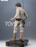 sideshow-star-wars-luke-skywalker-premium-format-toyslife-03