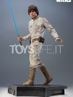sideshow-star-wars-luke-skywalker-premium-format-toyslife-04