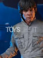 sideshow-star-wars-luke-skywalker-premium-format-toyslife-11