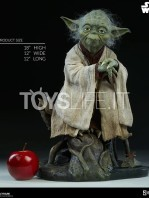 sideshow-star-wars-yoda-legendary-scale-figure-toyslife-01
