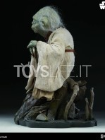sideshow-star-wars-yoda-legendary-scale-figure-toyslife-02