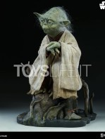 sideshow-star-wars-yoda-legendary-scale-figure-toyslife-03