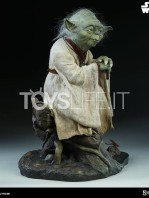 sideshow-star-wars-yoda-legendary-scale-figure-toyslife-06
