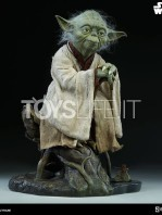 sideshow-star-wars-yoda-legendary-scale-figure-toyslife-07
