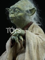 sideshow-star-wars-yoda-legendary-scale-figure-toyslife-10