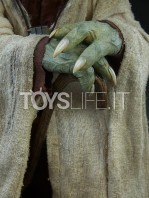 sideshow-star-wars-yoda-legendary-scale-figure-toyslife-14