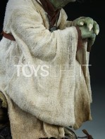 sideshow-star-wars-yoda-legendary-scale-figure-toyslife-16