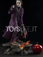 sideshow-the-dark-knight-joker-premium-format-toyslife-01