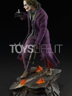 sideshow-the-dark-knight-joker-premium-format-toyslife-02