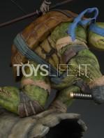 sideshow-tmnt-leonardo-statue-toyslife-09