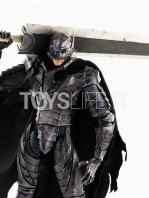 threezero-berserk-guts-in-berserker-armor-1:6-figure-toyslife-14