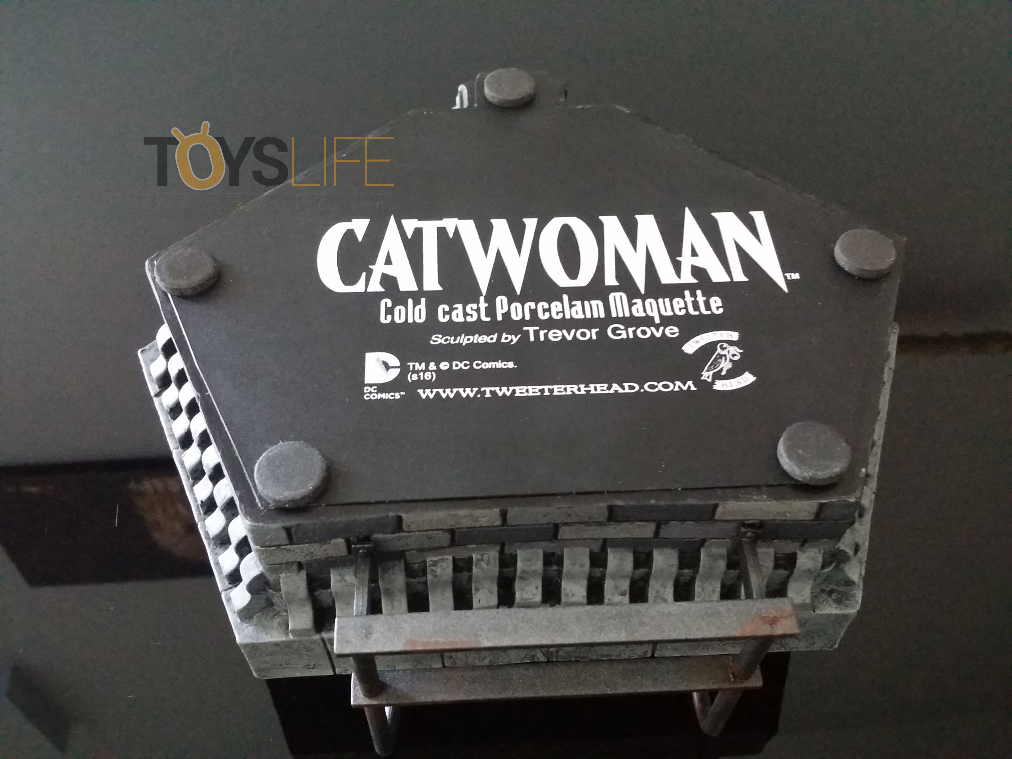tweeterhead-catwoman-michelle-pfeiffer-maquette-toyslife-review-08