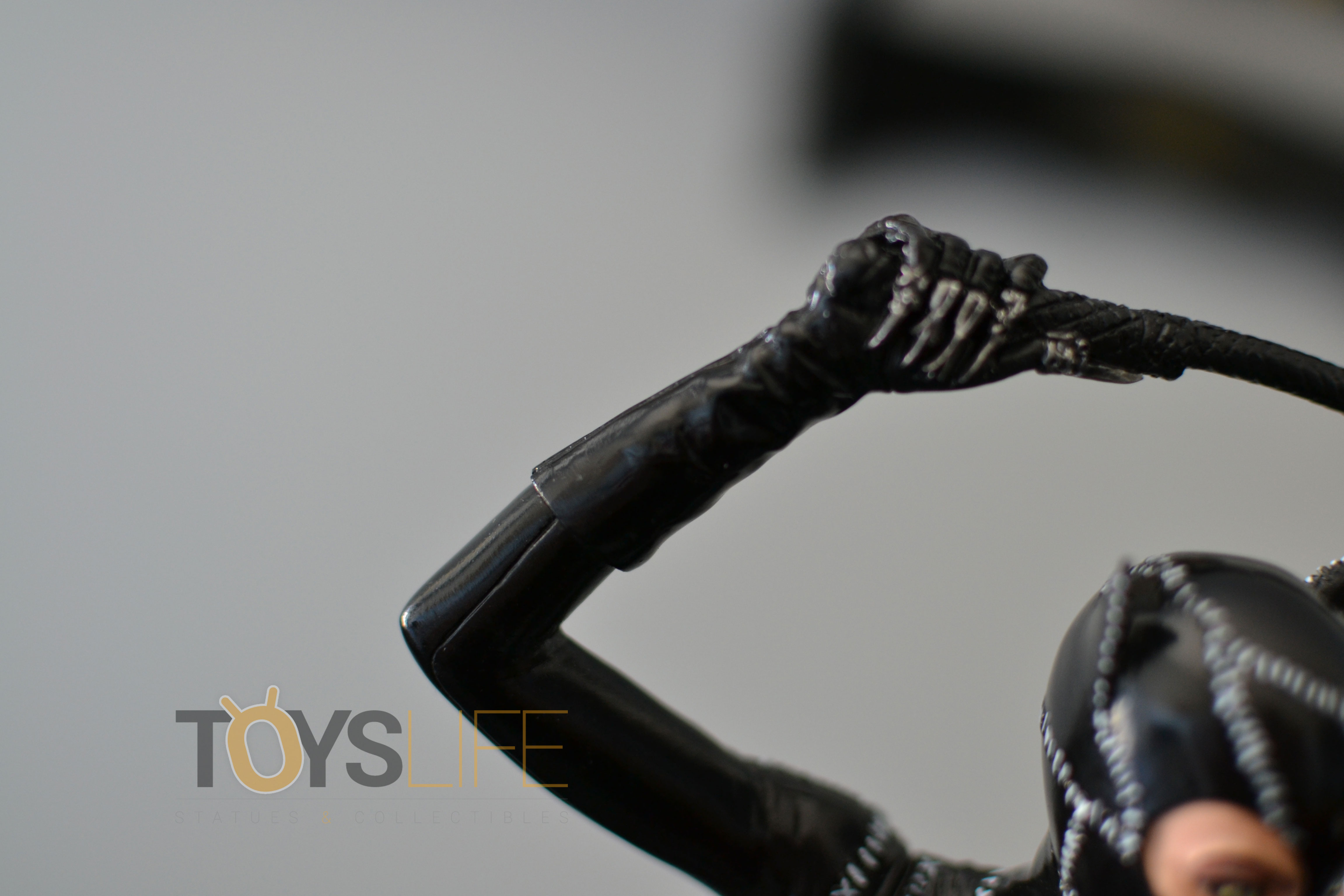 tweeterhead-catwoman-michelle-pfeiffer-maquette-toyslife-review-13