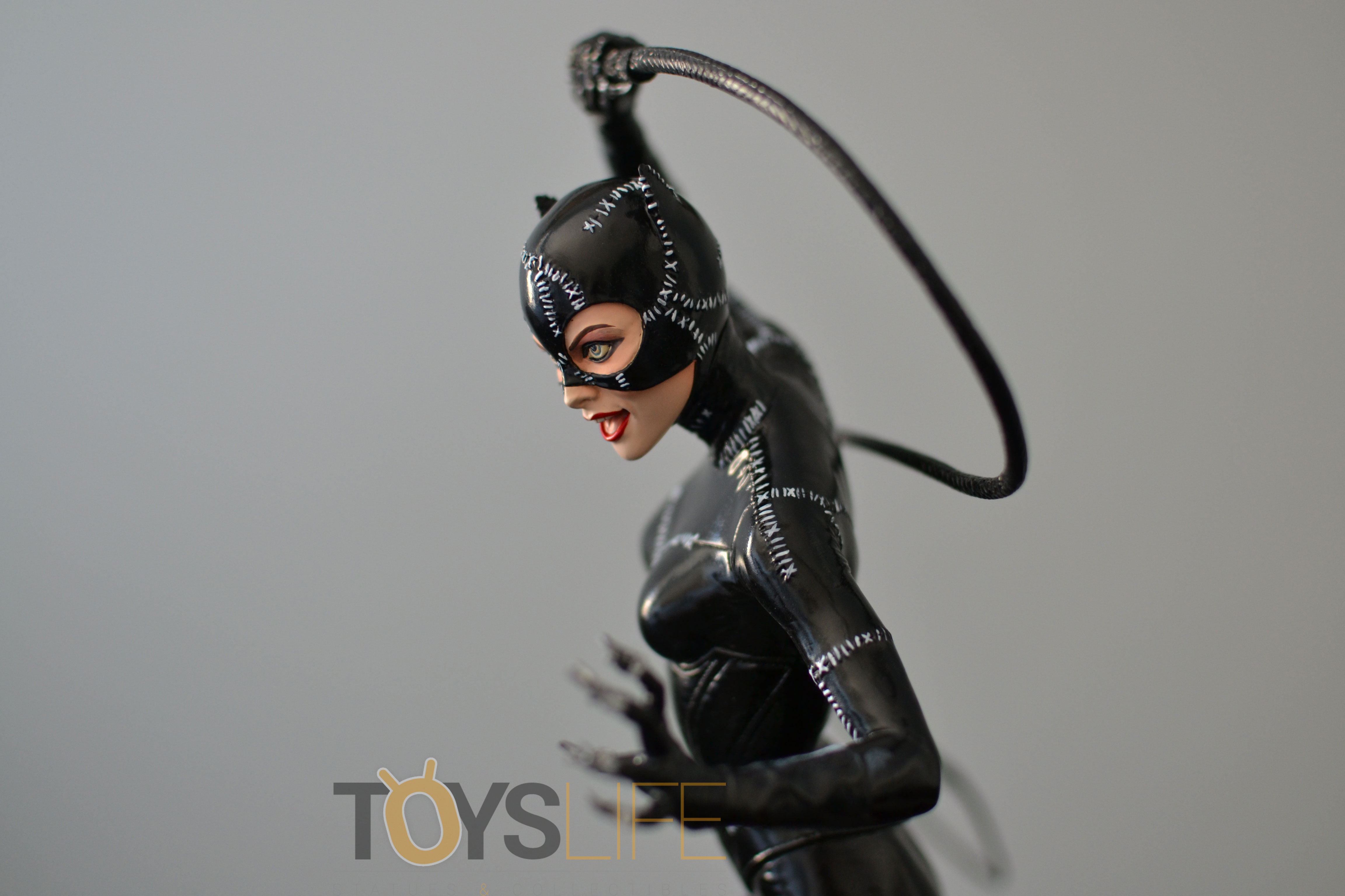 tweeterhead-catwoman-michelle-pfeiffer-maquette-toyslife-review-17