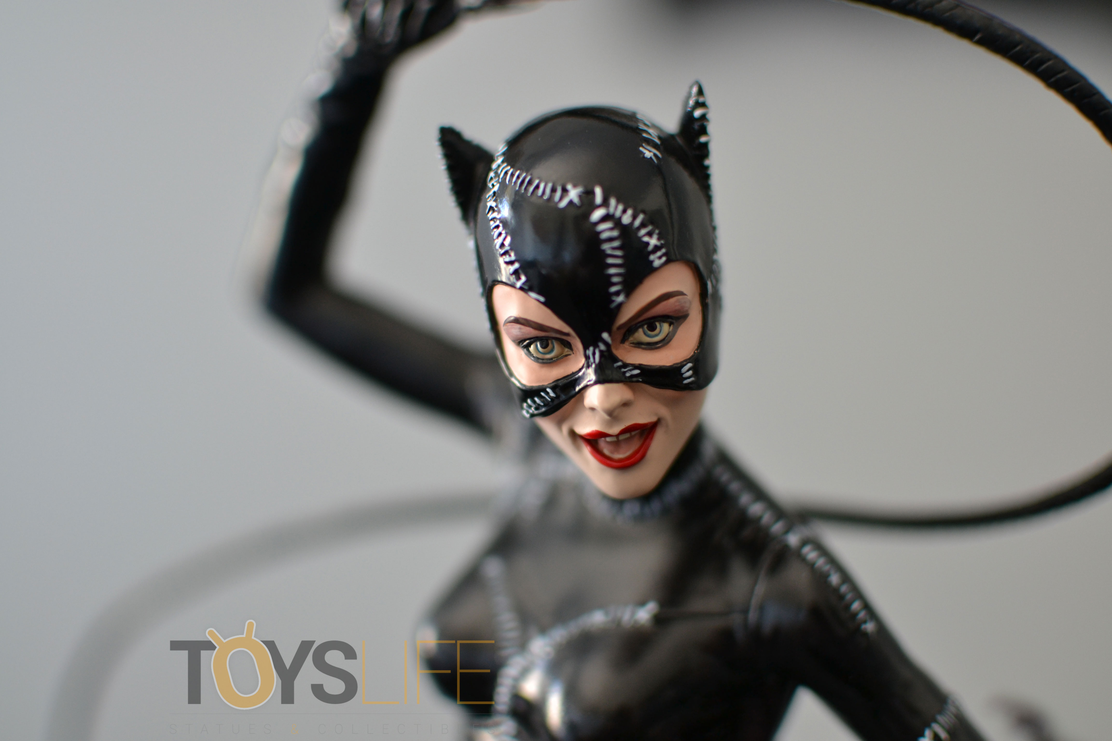 tweeterhead-catwoman-michelle-pfeiffer-maquette-toyslife-review-20