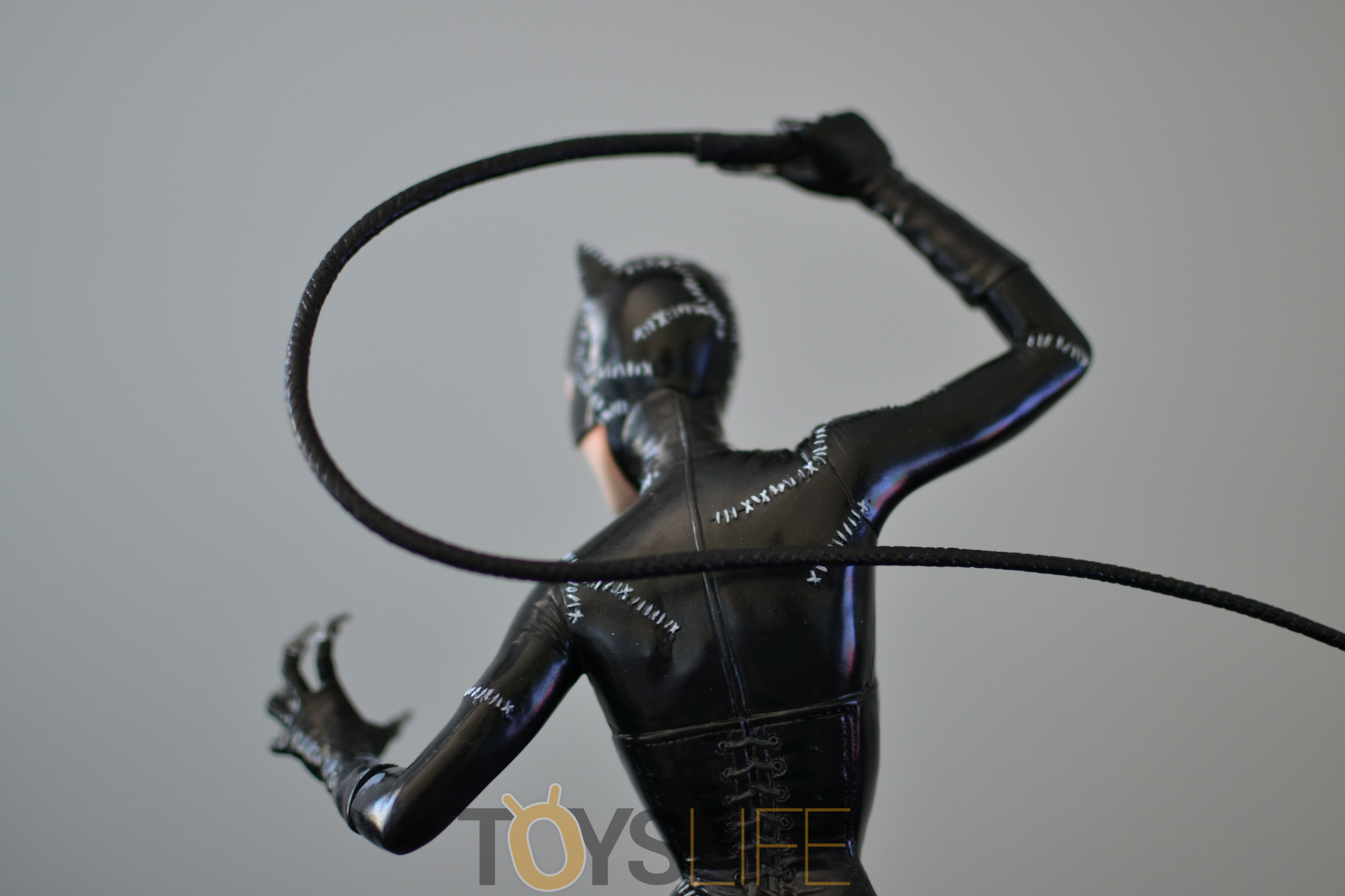 tweeterhead-catwoman-michelle-pfeiffer-maquette-toyslife-review-24