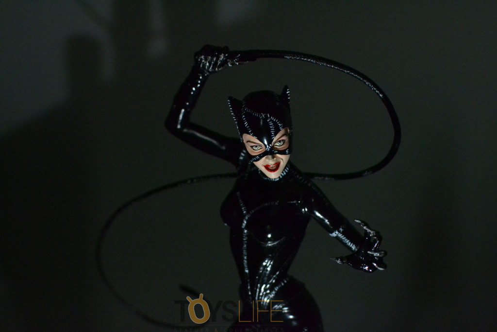 tweeterhead-catwoman-michelle-pfeiffer-maquette-toyslife-review-25