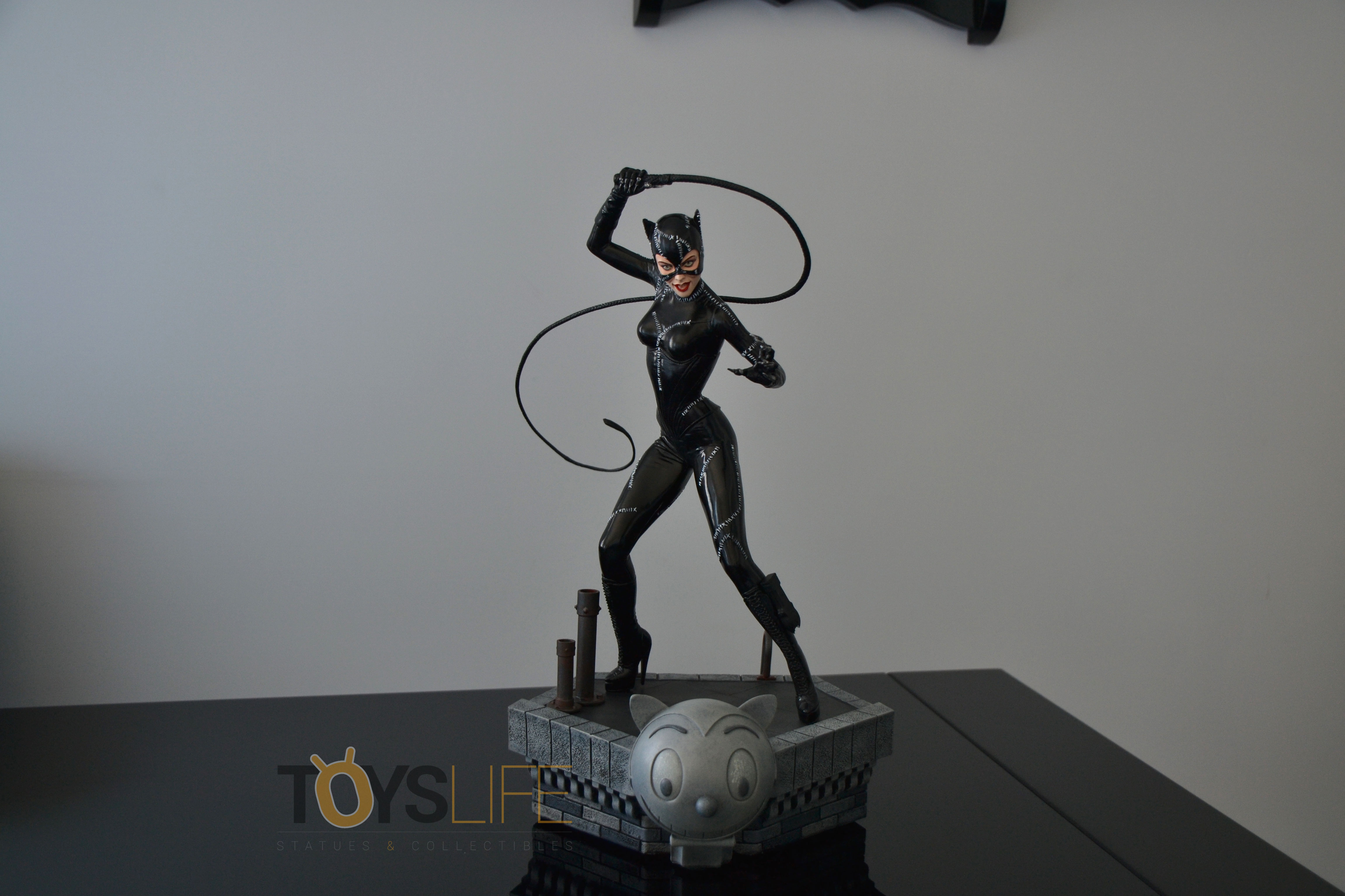 tweeterhead-catwoman-michelle-pfeiffer-maquette-toyslife-review-27