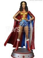tweeterhead-dc-wonder-woman-linda-carter-cape-variant-maquette-toyslife-01