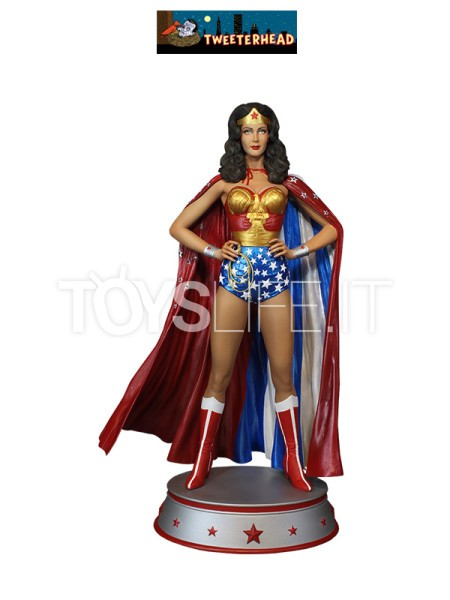 tweeterhead-dc-wonder-woman-linda-carter-cape-variant-maquette-toyslife-icon
