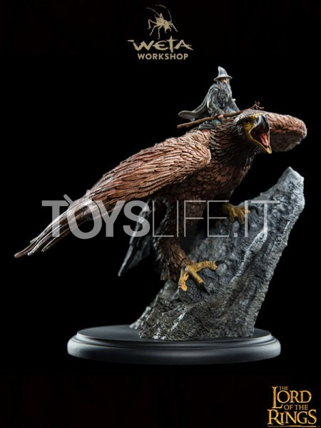 weta-lord-of-the-rings-gandalf-on-gwaihir-statue-toyslife-icon