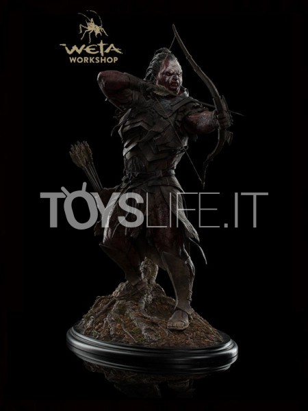 weta-lord-of-the-rings-lurtz-at-amon-hen-statue-toyslife-icon