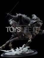 weta-lotr-ringwraith-at-the-ford-1:6-statue-toyslife-01