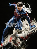 xm-studios-marvel-comics-spiderman-2099-1:4-statue-toyslife-01