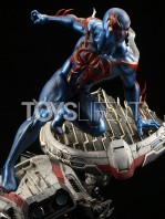 xm-studios-marvel-comics-spiderman-2099-1:4-statue-toyslife-02