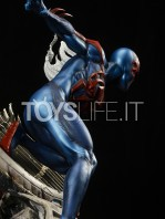 xm-studios-marvel-comics-spiderman-2099-1:4-statue-toyslife-04