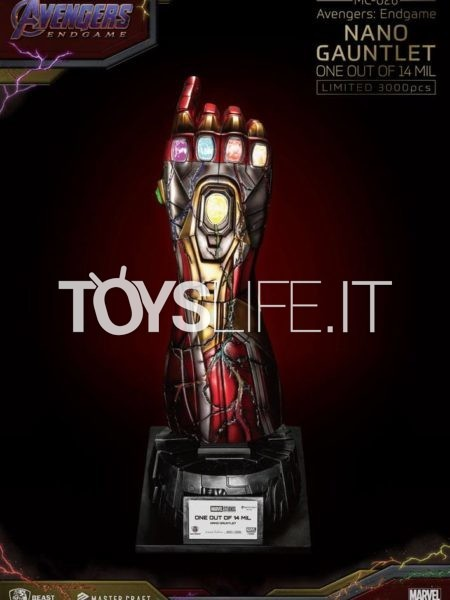 Beast Kingdom Toys Marvel Avengers Endgame Nano Gauntlet Master Craft Statue