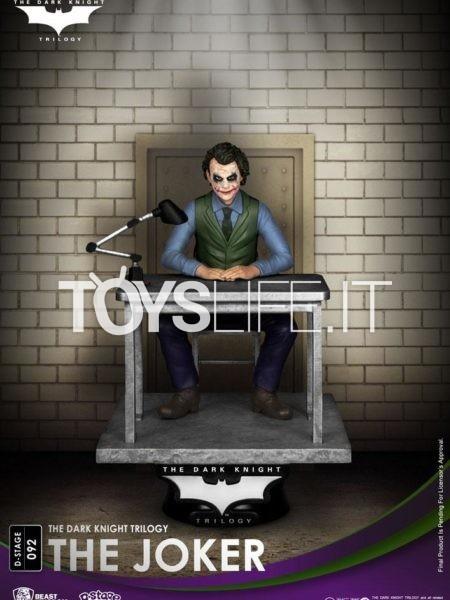 Beast Kingdom Toys DC Batman The Dark Knight The Joker Pvc Diorama