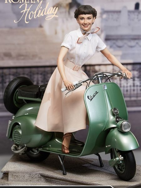 Blitzway Roman Holiday Princess Ann and 1951 Vespa 125 1:4 Statue