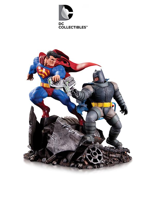 DC Direct Batman The Dark Knight Returns Batman Vs Superman Mini Statue