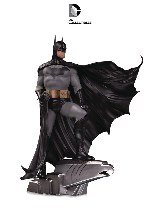 DC Designer Series Batman by Alex Ross Deluxe 1:6 Statue