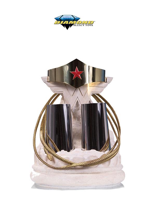 Diamond Select Wonder Woman Tiara Bracelets & Lazo Replica