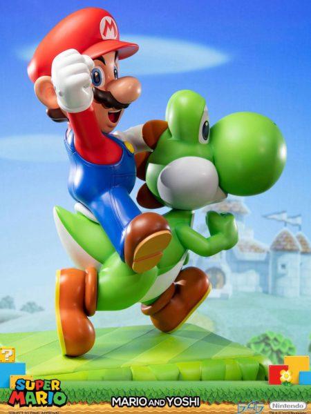 First4Figures Super Mario Mario and Yoshi Statue 48 Cm