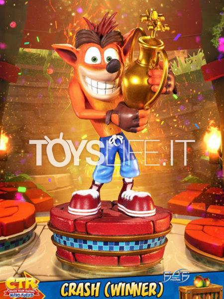 First4Figures Crash Team Racing Nitro-Fueled Crash Bandicoot Winner Statue