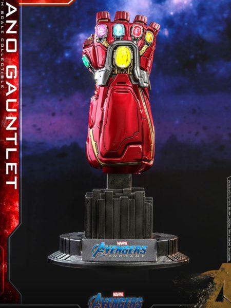 Hot Toys Marvel Avengers Endgame Nano Gauntlet 1:4 Replica