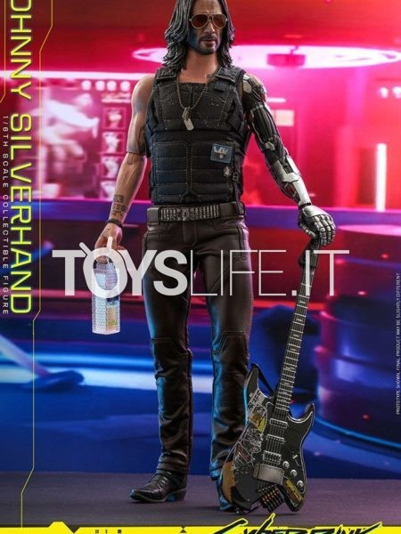 Hot Toys Cyberpunk 2077 Johnny Silverhand Videogame Masterpiece 1:6 Figure