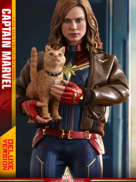 Hot Toys Marvel Captain Marvel Deluxe 1:6 Figure
