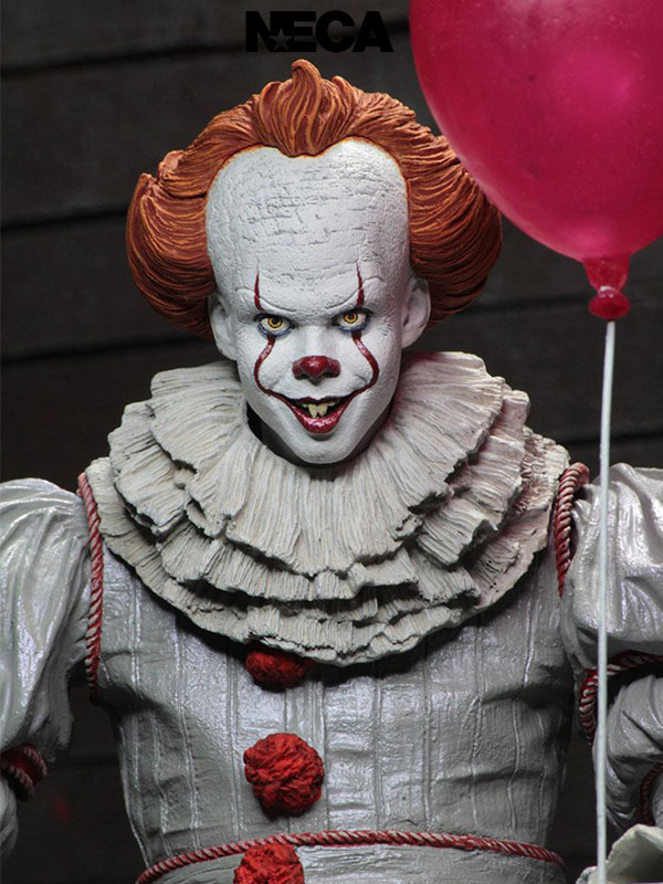 Neca 2017 IT Pennywise Ultimate Figure