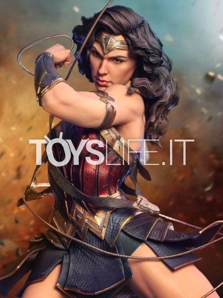 Queen Studios DC Wonder Woman 1:4 Statue Bonus Version