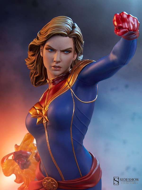 Sideshow Marvel Avengers Assemble Captain Marvel 1:5 Statue