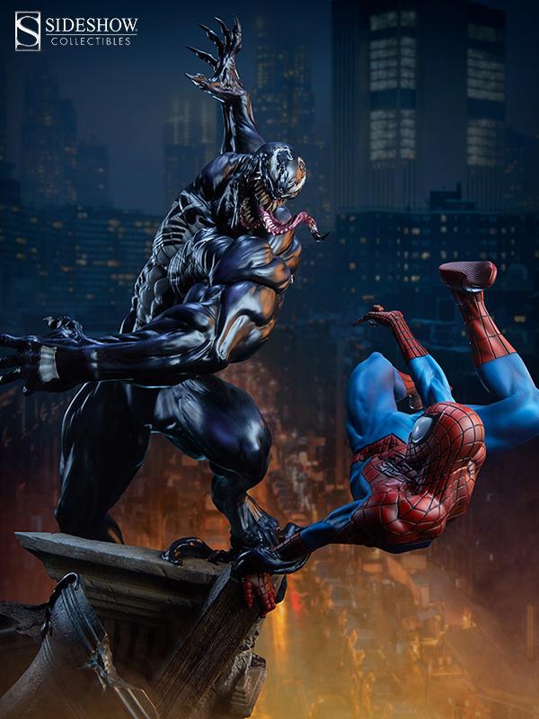Sideshow Marvel Comics Spiderman vs Venom Maquette