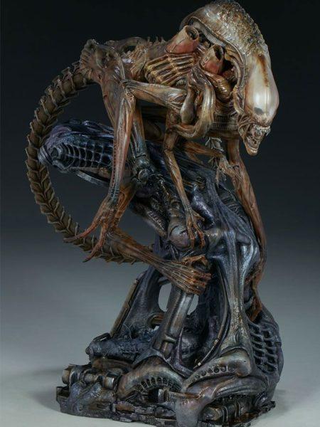 Sideshow Mythos Series Alien Warrior Statue